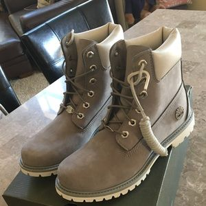 Women's size 9 grey Timberland boots